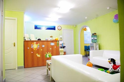 Холл детского медицинского центра (детская поликлиника)